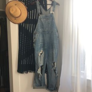 BDG Distressed overalls